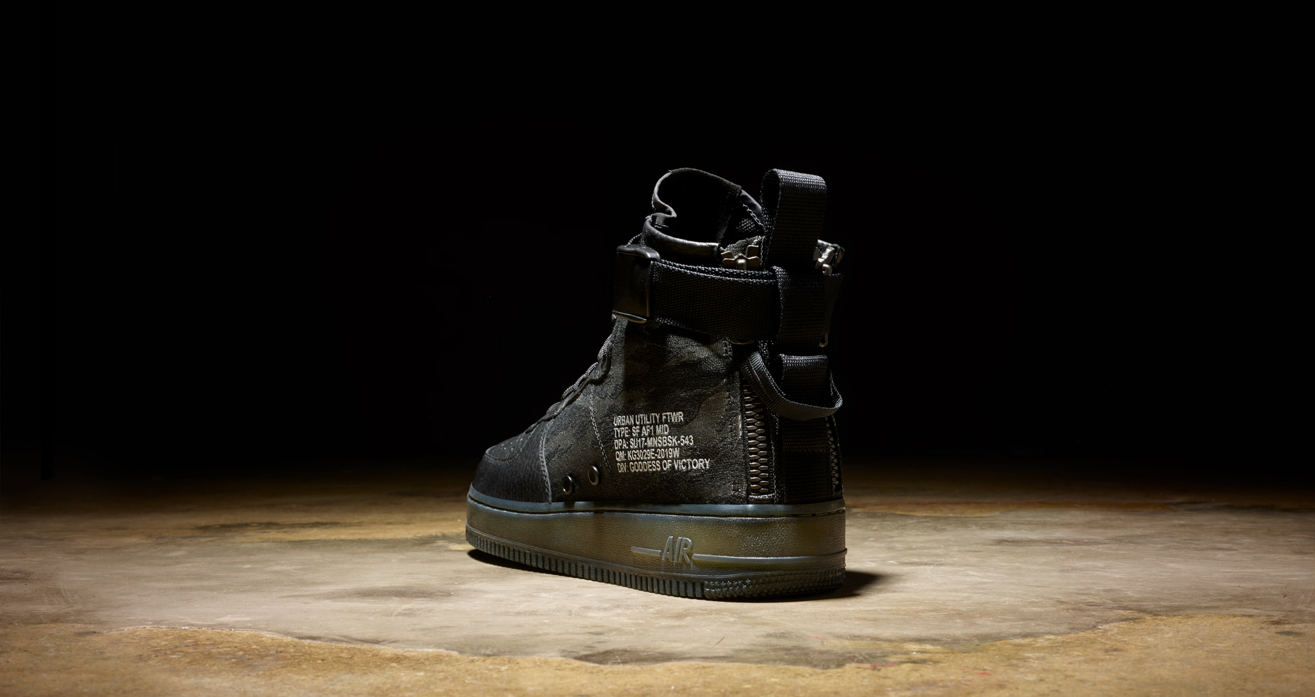 nike-special-field-air-force-1-sf-af-1-mid-urban-utility-1