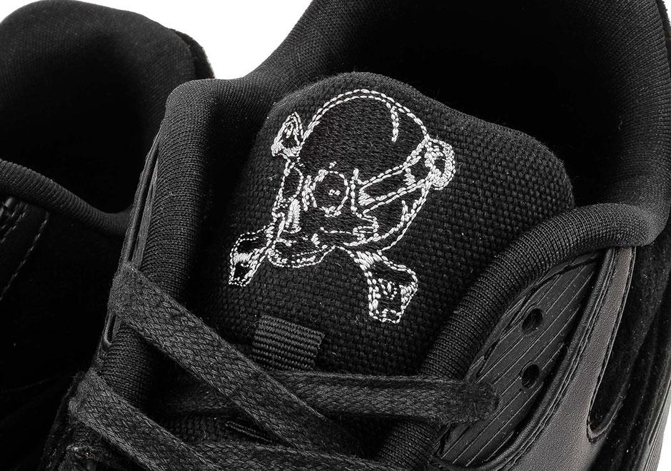 nike-air-max-90-premium-black-chrome-rebel-skulls