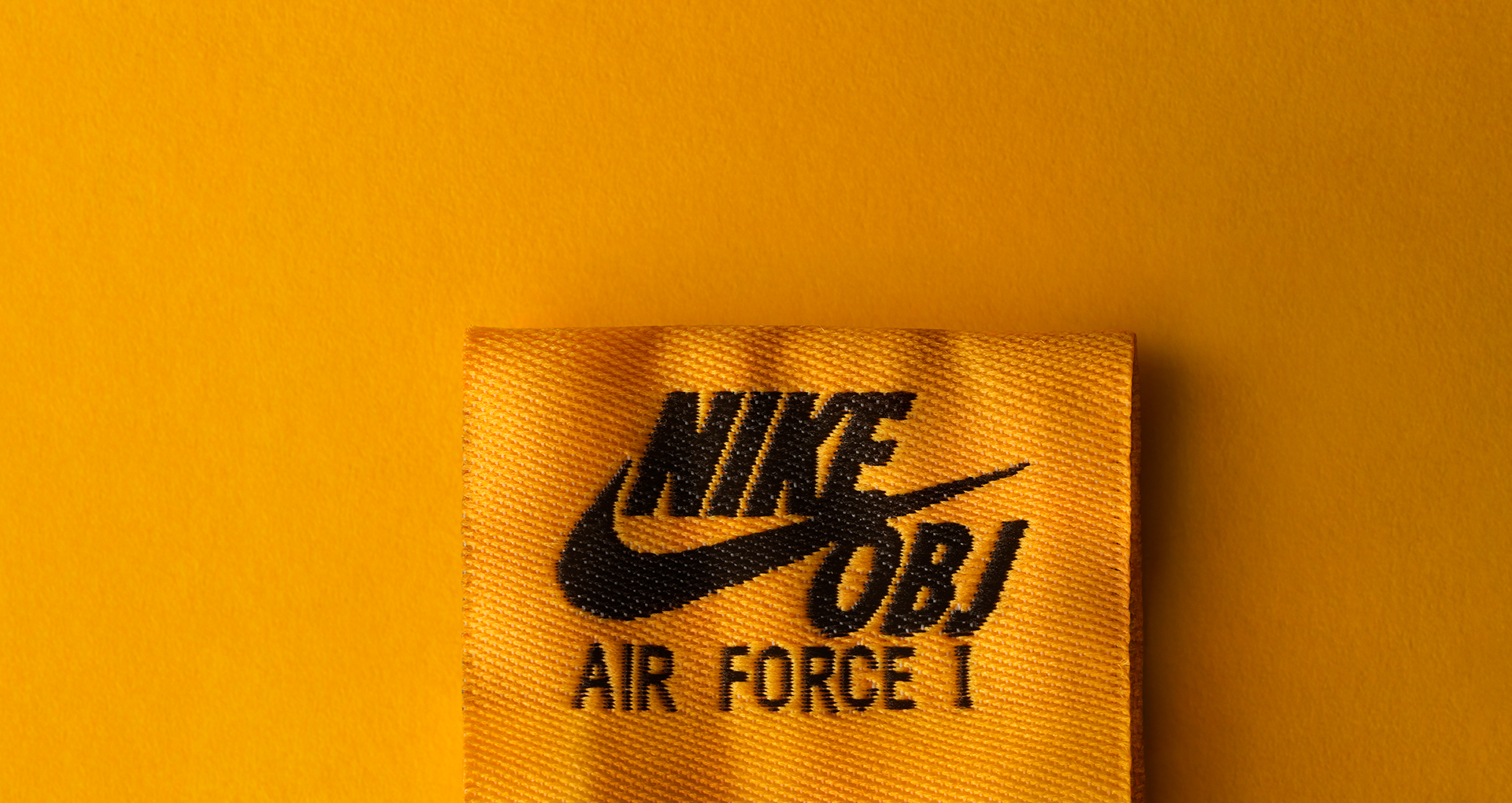 01-nike-sf-af1-mid-obj-laser-orange-gum-917753-801