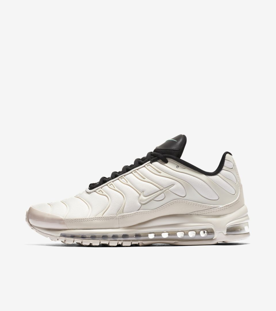 01-nike-air-max-97-plus-light-orewood-brown-ah8144-101