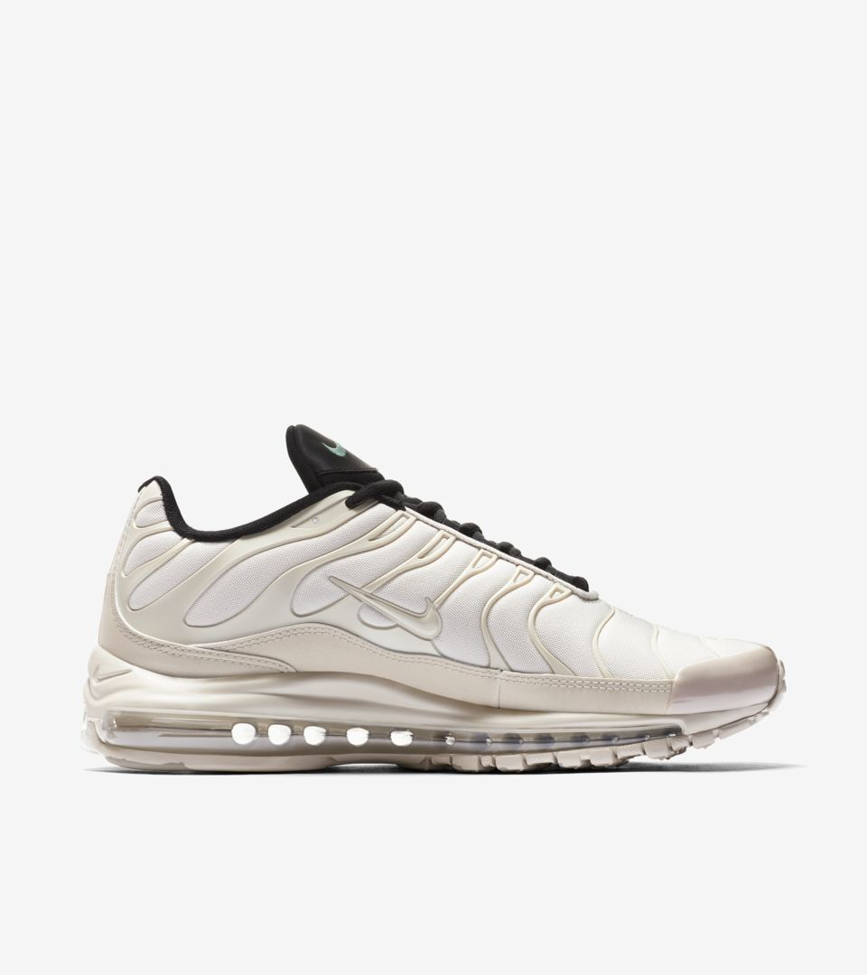 02-nike-air-max-97-plus-light-orewood-brown-ah8144-101