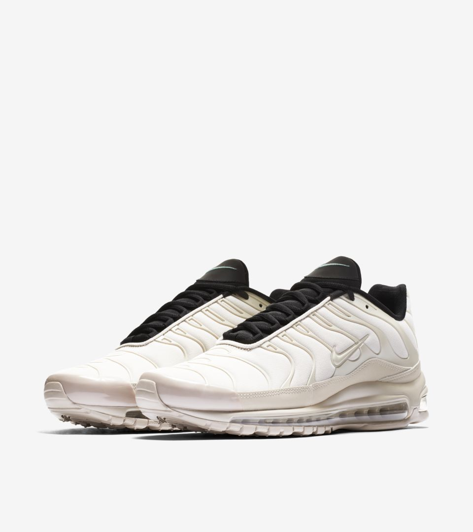 03-nike-air-max-97-plus-light-orewood-brown-ah8144-101