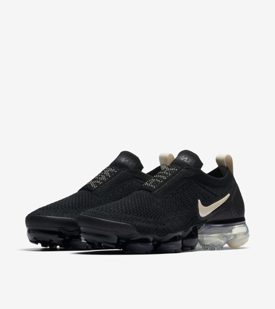 03-nike-womens-vapormax-moc-2-black-light-cream-aj6599-002