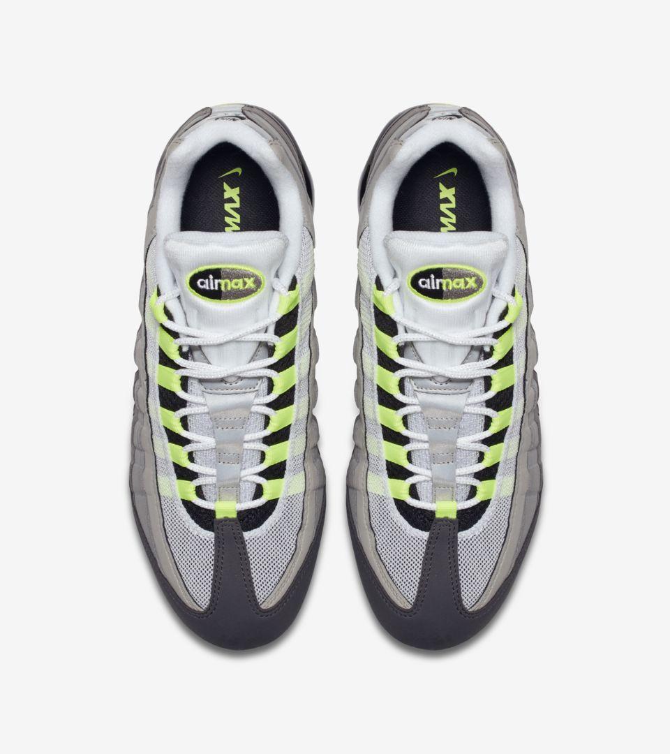 04-nike-vapormax-95-neon-aj7292-001
