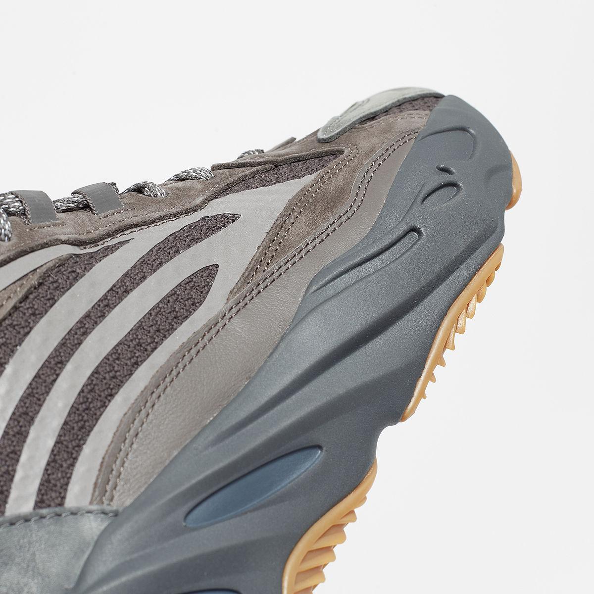 06-adidas-yeezy-boost-700-geode-eg6860
