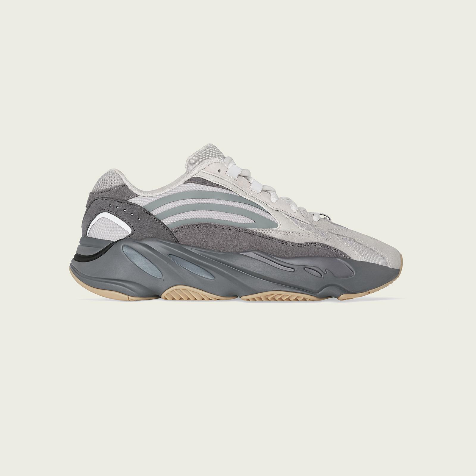 01-adidas-yeezy-boost-700-v2-tephra-fu7914