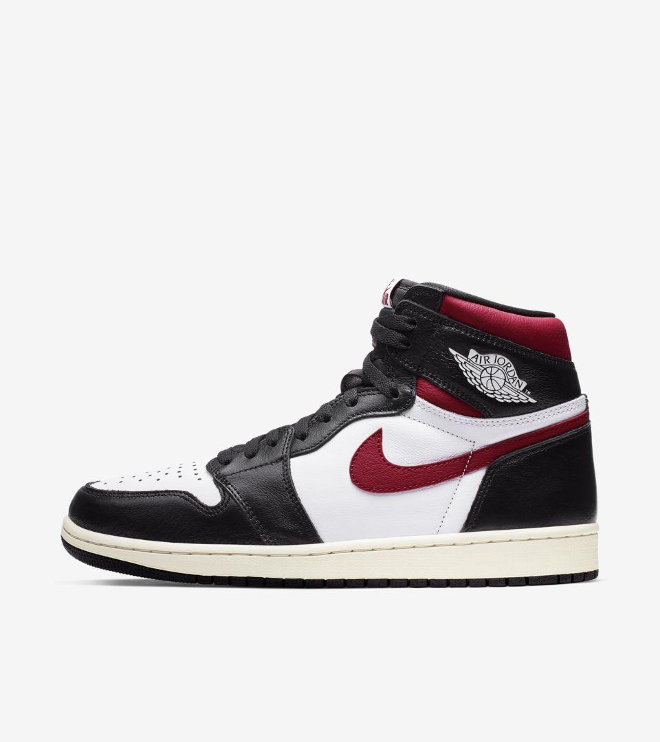 02-air-jordan-1-high-og-black-gym-red-555088-061