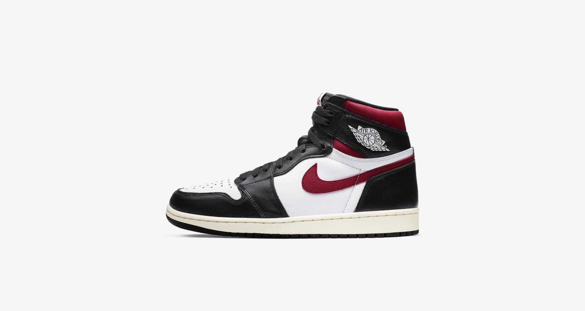 07-air-jordan-1-high-og-black-gym-red-555088-061